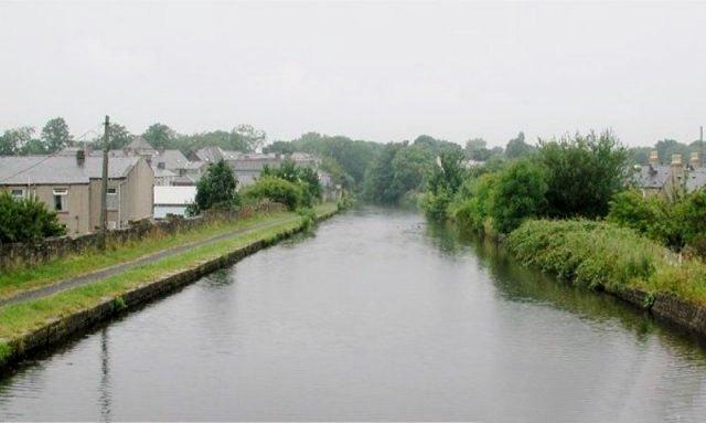 Burnley Embankment, 'The Straight Mile'
